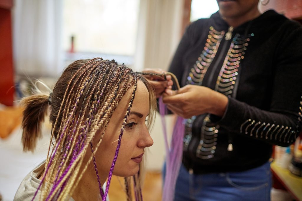 Hair Extensions & Weaves: A Hairstylist's Guide | Minnesota School of  Cosmetology